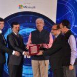 """दा इंडियन एक्सप्रेस ग्रुप ने विशाखापट्टनम में 18.02.2017 को """"एक्सप्रेस टेक्नोलॉजी सभा"""" में पेशेवरों (प्रोफेशनल्स) को जोड़ने के लिए एक उत्कृष्ट तकनीकी प्लेटफॉर्म प्रदान करने हेतु इंफ्राकॉन को पुरस्कृत किया।"""
